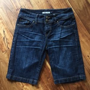 Cabi Denim dark blue Bermuda shorts size 4